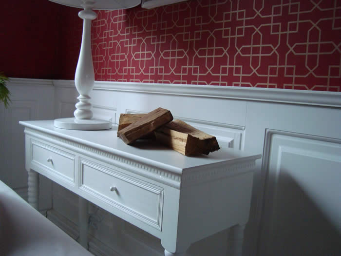living room wall panelling itv1 60mm colin adn justin  made in the uk by wall panelling experts