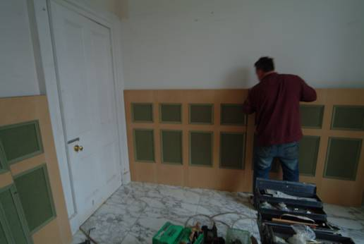 martin chadwick expert designer from wall panelling  ltd showing bathroom wall panelling being installed