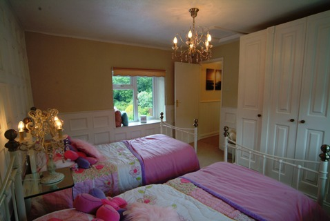 bedroom beaded wall panelling the secret garden south wales holiday cottage sykes cottages